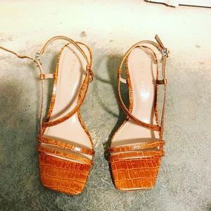 Anthropologie women's straps heels size 37 (7)